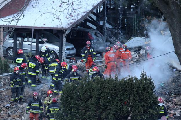 Do tragedii doszło wieczorem 4 grudnia 2019 r. Wybuch gazu zniszczył całkowicie trzykondygnacyjny dom/ Zdjęcia archiwalne z akcji  poszukiwawczo-ratowniczej /Andrzej Grygiel /PAP
