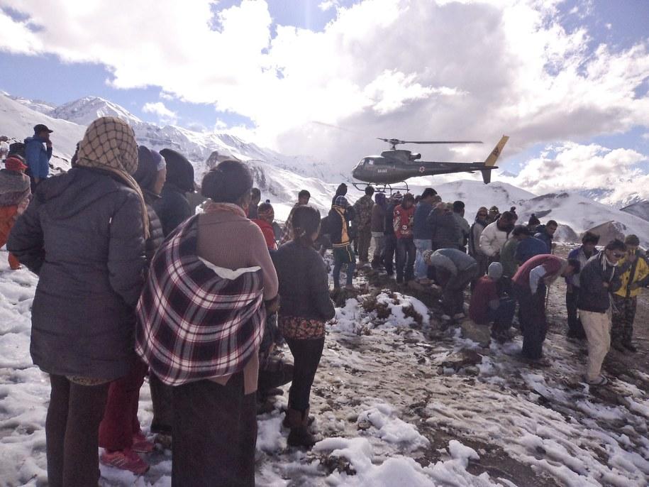 Do tragicznego wypadku doszło w rejonie Annapurny /NEPALESE ARMY/HANDOUT /PAP/EPA