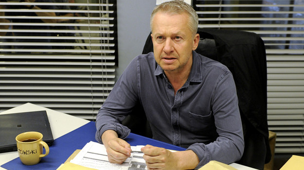 """– Do udziału w """"Paradoksie"""" przekonał mnie świetny scenariusz – mówi Bogusław Linda. Ostatnio oglądaliśmy go w """"Ratownikach"""". Nie był to hit TVP! /fot  /AKPA"""