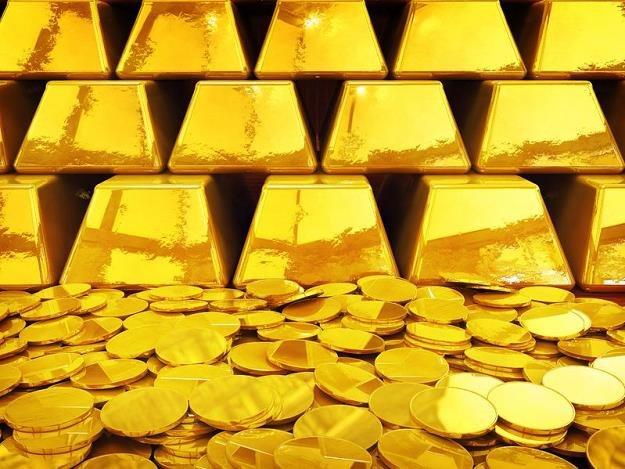 Do ulubionych zajęć Sknerusa McKwacza należały kąpiele w stosie złotych monet /©123RF/PICSEL