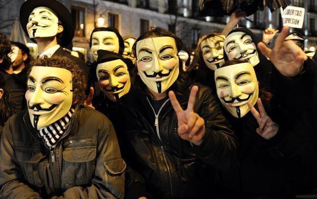 Do umieszczenia informacji z forum PO przyznała się grupa Anonymous Polska /AFP