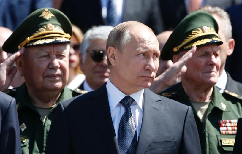 Do ustaleń szczytu NATO nie odniósł się na razie Władimir Putin /AFP