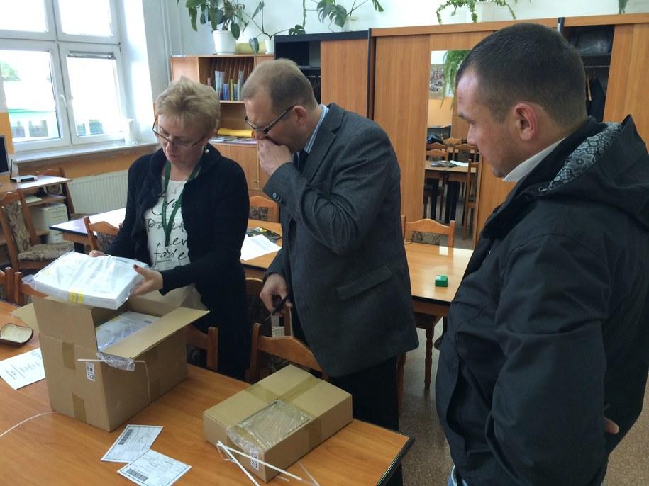 Do VI Liceum Ogólnokształcącego w Lublinie dotarły już arkusze egzaminacyjne przed maturą z języka polskiego /Krzysztof Kot /RMF FM