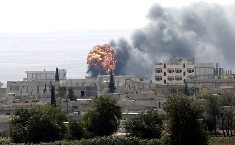 Do walk dochodzi w pobliżu Kobane /PAP/EPA