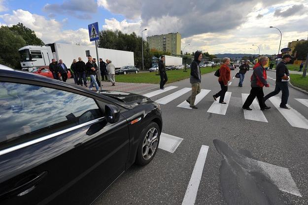 Do wielu wypadków wciąż dochodzi na przejściach / Fot: Tadeusz Koniarz /Reporter