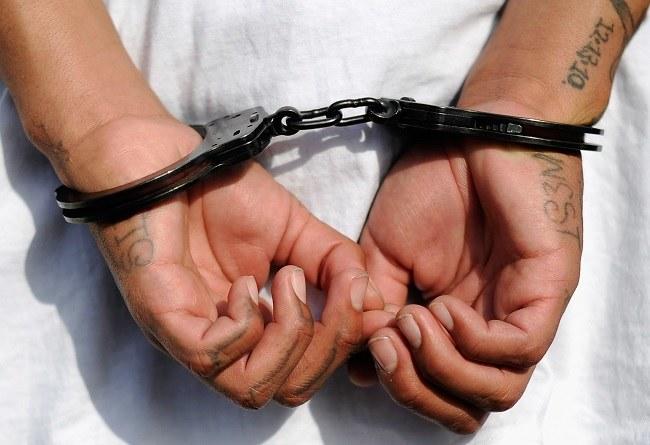 Do więźienia za ściąganie można trafić w Bangladeszu /Getty Images