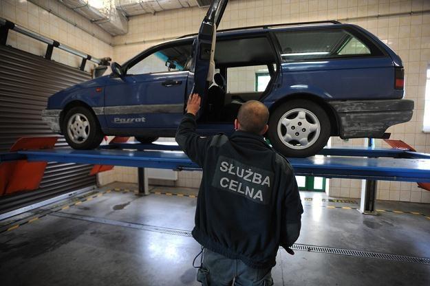 Do wożenia paliwa służą zwykle stare Passaty / Fot: Wojciech Stróżyk /Reporter