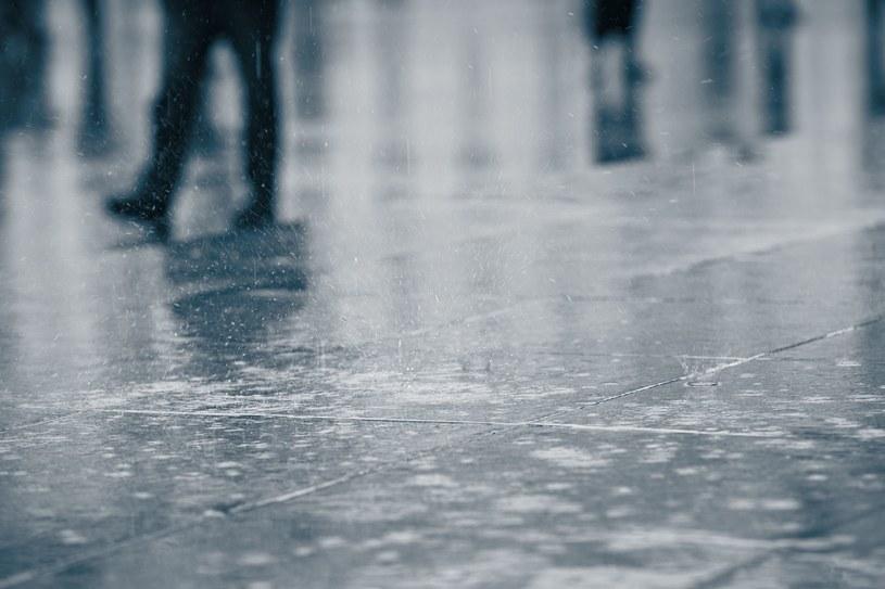 Do wtorku w całej Polsce będzie utrzymywało się duże zachmurzenie i opady; zdj. ilustracyjne /123RF/PICSEL