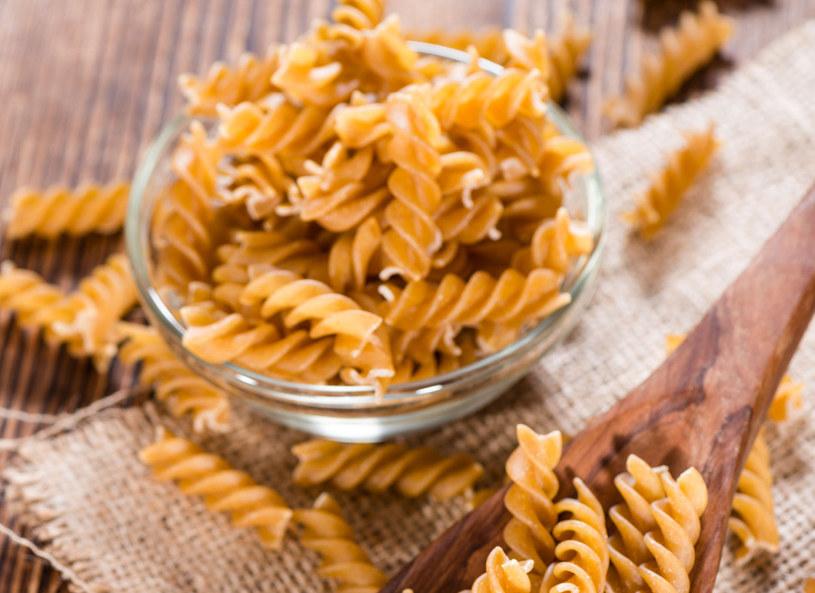 Do wyboru masz makarony z mąki razowej, gryki, jęczmienia, orkiszu /Picsel /123RF/PICSEL