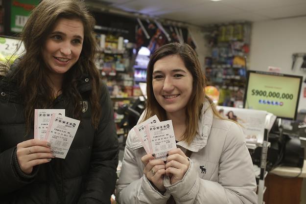 Do wygrania 1,5 miliarda dolarów w loterii Powerball /AFP