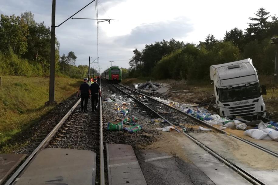 Do wypadku doszło na niestrzeżonym przejeździe w miejscowości Dworaki-Staśki. /Piotr Bułakowski /RMF FM