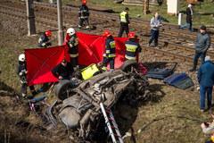 Do wypadku doszło na strzeżonym przejeździe kolejowym