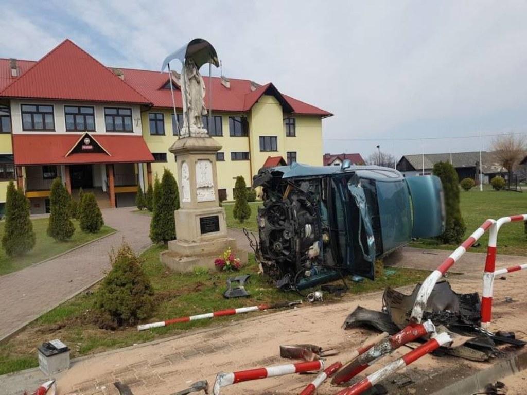 Do wypadku doszło w niedzielne przedpołudnie w miejscowości Michalczowa koło Nowego Sącza //PSP