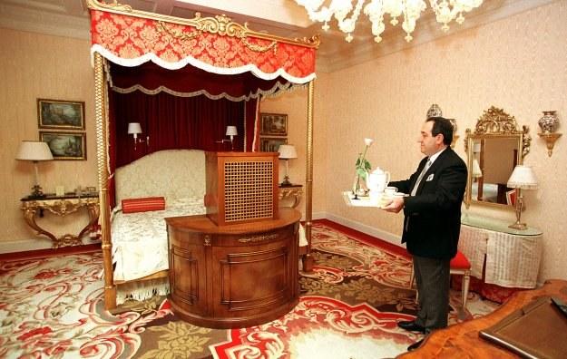 Do zadań concierge'a należy realizowanie nawet najbardziej ekscentrycznych życzeń gości hotelowych /AFP
