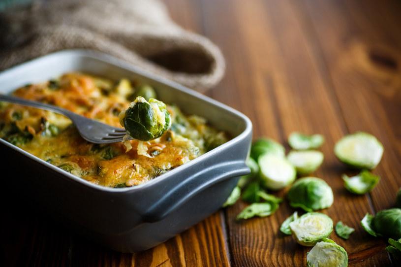 Do zapiekanki możesz dodać także inne, ulubione warzywa /123RF/PICSEL