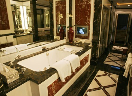 Do zatruć czadem dochodzi najczęściej w łazience. /AFP