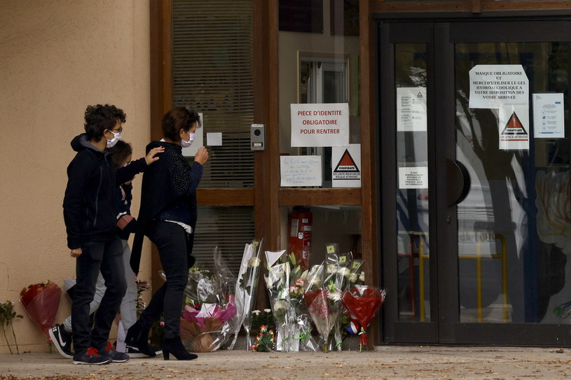 Do zbrodni doszło w piątek w podparyskiej miejscowości Conflans-Sainte-Honorine /YOAN VALAT  /PAP/EPA