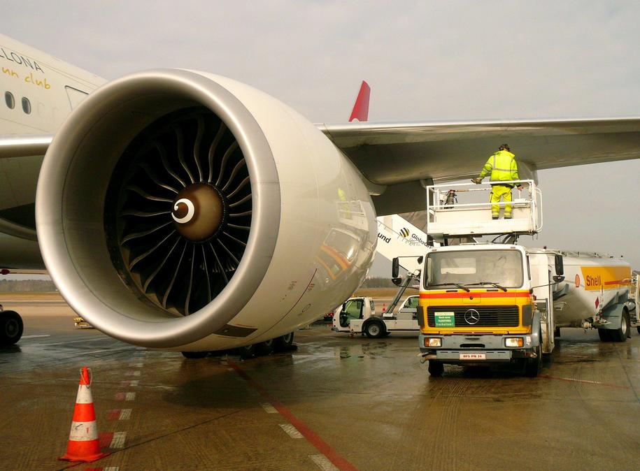 Do zdarzenia doszło na pokładzie Boeinga 777 (zdj. ilustracyjne) /PAP/DPA