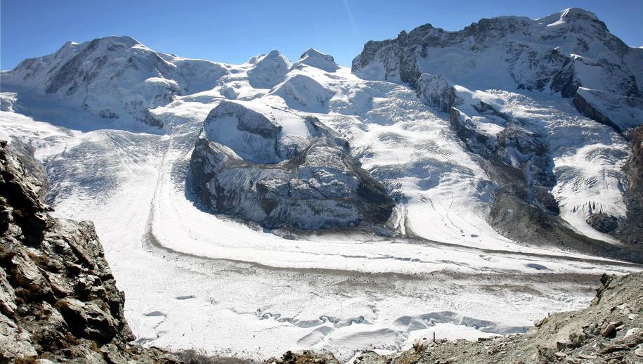 Do zdarzenia doszło w rejonie masywu Breithorn w Alpach Pennińskich (zdj. ilustracyjne) /Kay Nietfeld  /PAP/DPA