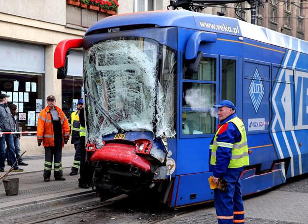 Do zderzenia doszło w Katowicach /Andrzej Grygiel /PAP