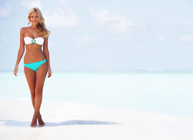 Dobierz plażowy strój odpowiednio do swojego wieku i figury /123RF/PICSEL