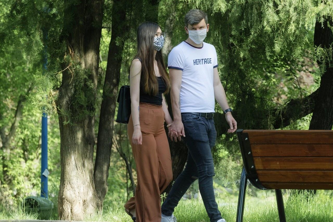 Dobowy rekord nowych zakażeń w Polsce. Zmarło kolejnych 16 osób [NOWE DANE]