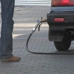 Dobre informacje dla kierowców. Spadają ceny paliw