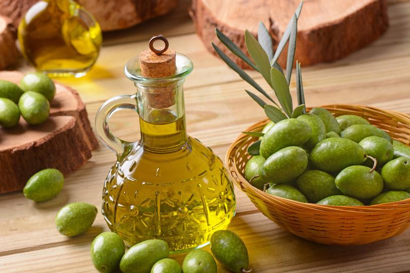 Dobrej jakości oliwa nie potrzebuje dodatków /123RF/PICSEL