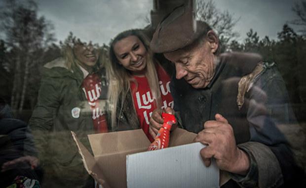 Dobroczynność przechodzi kryzys? Szlachetna Paczka publikuje raport