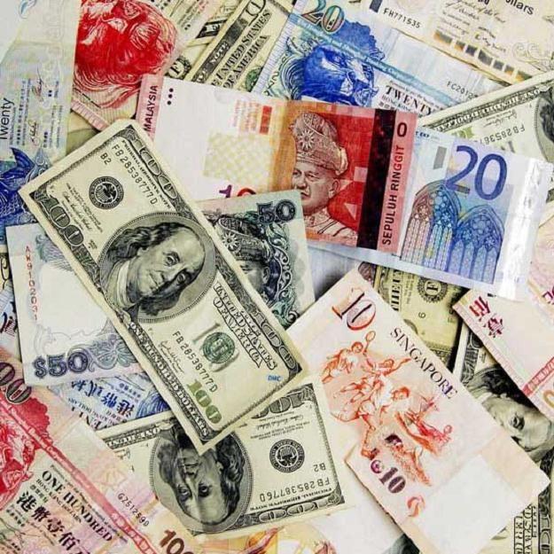 Dobry nastrój przenosi się z rynku obligacji, gdzie cały czas jest popyt na nasze papiery skarbowe /AFP