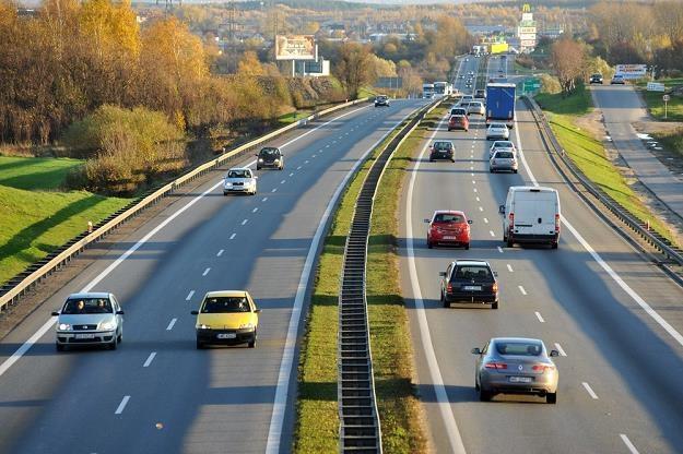 Dobrych dróg przybywa, Polacy muszą się nauczyć z nich korzystać / Fot: Wojciech Stróżyk /Reporter