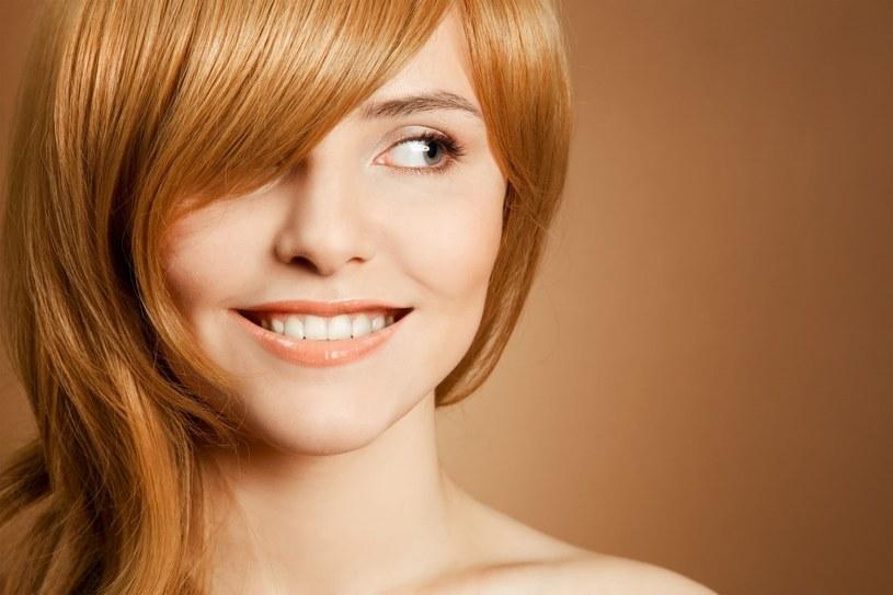 Dobrze dobrana prostownica czy suszarka dba o włosy /123RF/PICSEL
