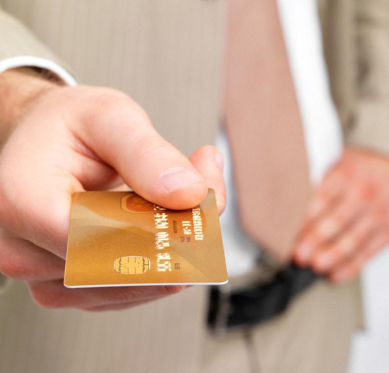 Dobrze gdy partnerzy mają rozdzielne konta. Niech każdy samodzielnie rozporządza swoimi pieniędzmi  /© Panthermedia