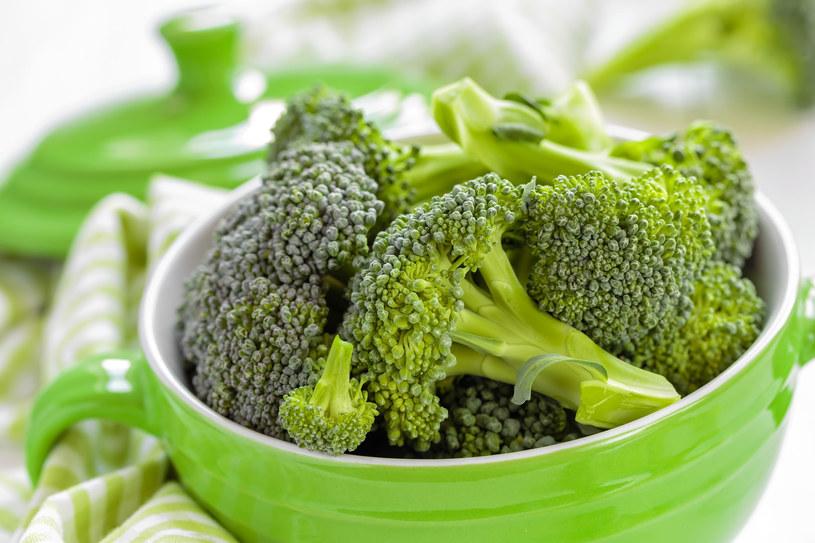 Dobrze jest jeść te warzywa w różnych postaciach razem, także surowe /123RF/PICSEL