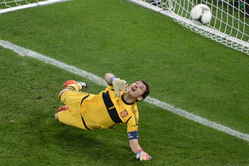 Dobrze strzelonego karnego nie obroni nawet sam Iker Casillas /AFP