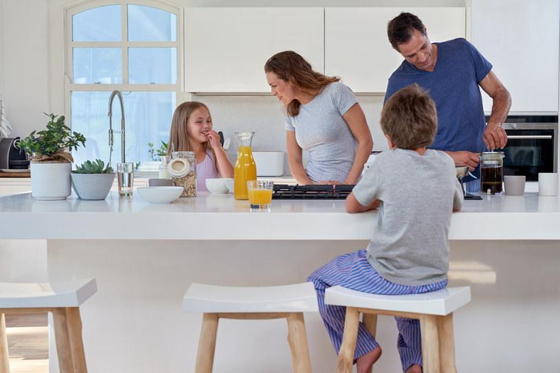 Dobrze zaprojektowana kuchnia staje się najważniejszym pomieszczeniem w całym domu /123RF/PICSEL