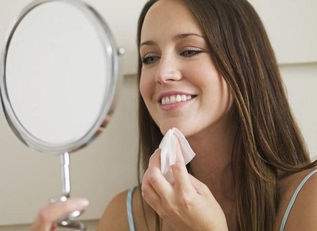 Dobrze zrobiony make-up to nie lada sztuka. /© Panthermedia