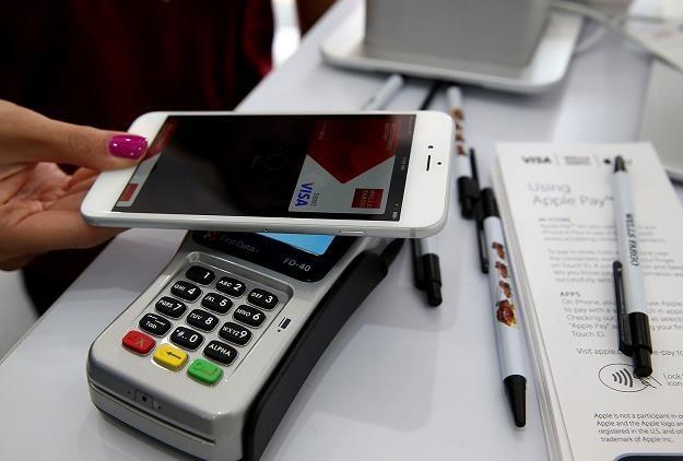 Dochody ze sprzedaży części ekranu w programie na telefony i tablety można opodatkować /AFP