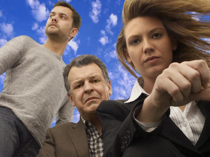 Dociekliwe trio: Agentka Olivia Dunham (Anna Torv), Dr Walter Bishop (John Noble) i Peter Bishop (Joshua Jackson). /TVN