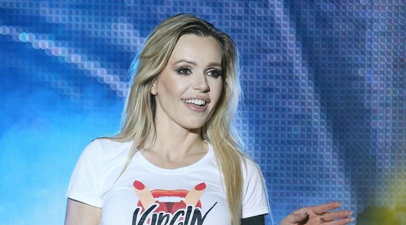 Doda lubi zaskakiwać swoich fanów. Niedawno wyznała, że sprzedaje swoje ciało w 3D! /Damian Klamka /East News