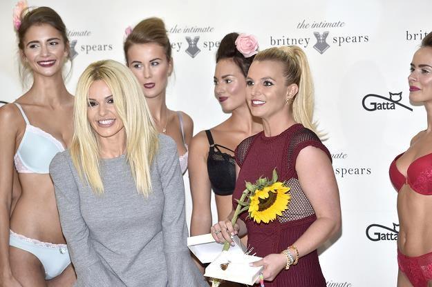 Doda wręczyła Britney Spears bursztyn /AKPA