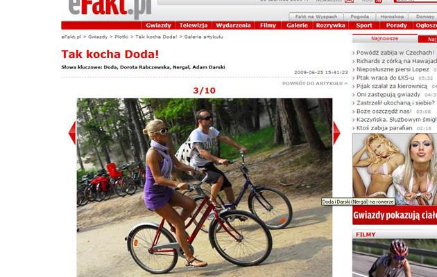 Doda z Nergalem na rowerach  /efakt.pl