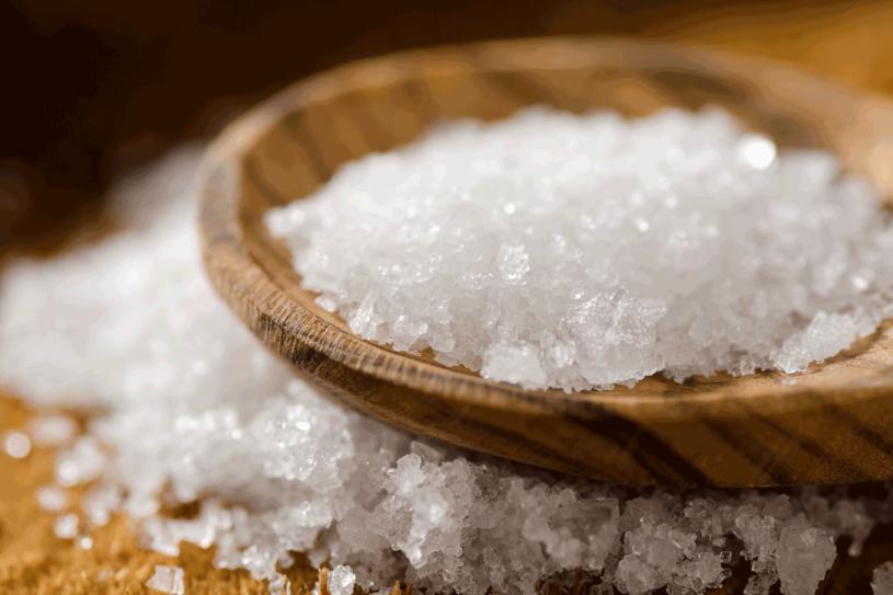 Dodaj do kąpieli sól z Morza Martwego /123RF/PICSEL