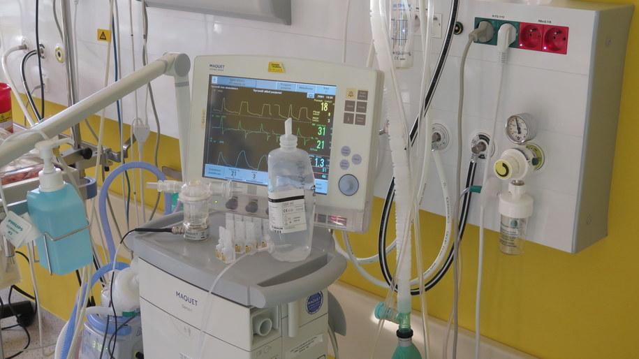 Dodatkowe badania histopatologiczne mają pomóc w określeniu przyczyn śmierci dziecka. Zdj. ilustracyjne /RMF24.pl