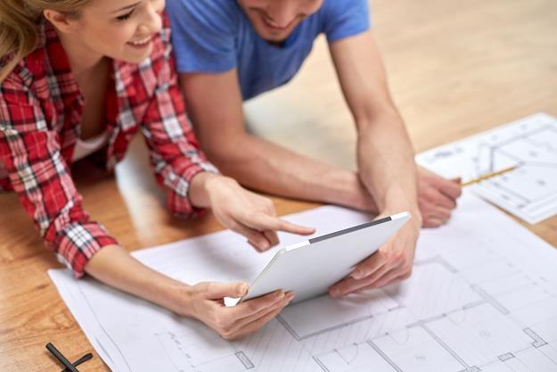 Dodatkowe koszty przy zakupie mieszkania mogą nas zaskoczyć /©123RF/PICSEL