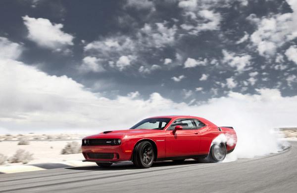Dodge Challenger SRT Hellcat (2015)