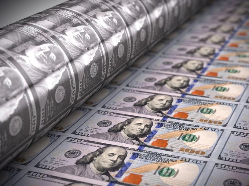 Dodruk pieniędzy przez wiele banków centralnych zaczyna obracać się przeciwko gospodarce /123RF/PICSEL