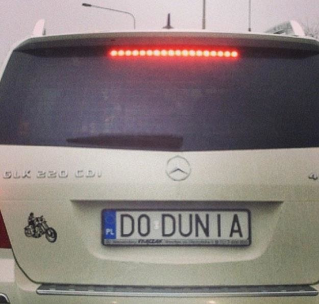 """Dodunia"" rusza w Polskę swoim mercedesem /"