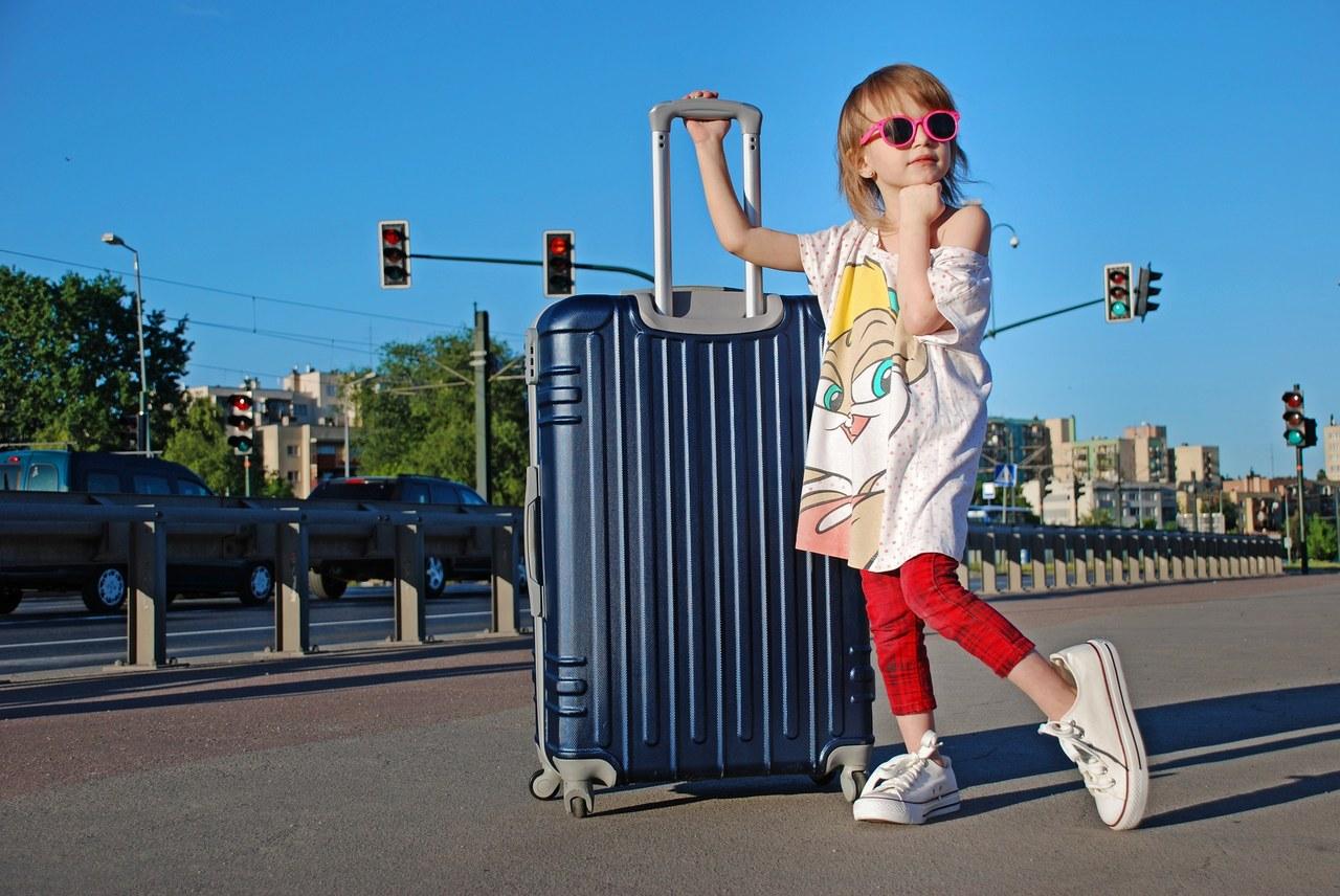 Dokąd Polacy mogą jechać na wakacje? [LISTA KRAJÓW, OBOWIĄZUJĄCE PRZEPISY]