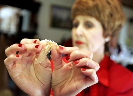 Doktor Condom udoskonalił prezerwatywy /AFP